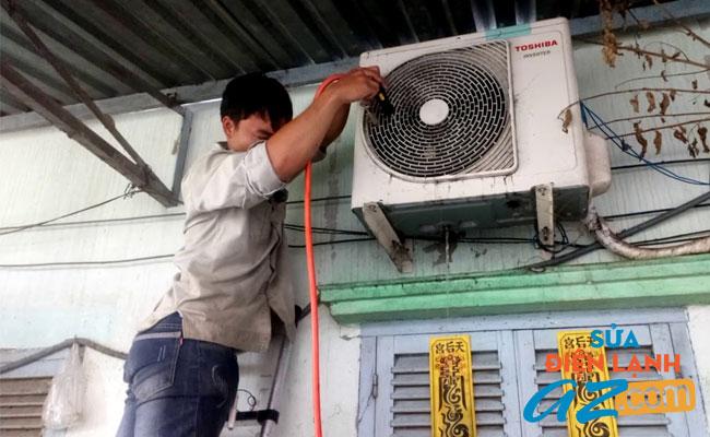Thợ sửa điều hòa Toshiba